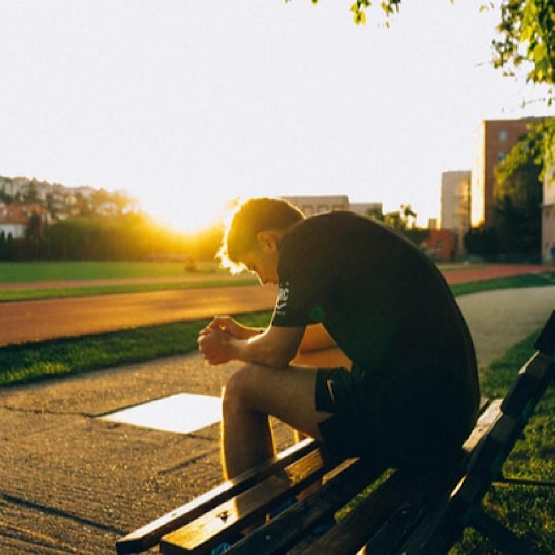 仕事で人生が辛いと感じたときの対処法【辛さから抜け出す思考法】
